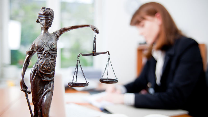 Консультация и услуги юриста в МФЦ