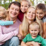 Многодетная семья 2018: оформление удостоверения и льгот через МФЦ