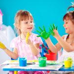 дети в красках