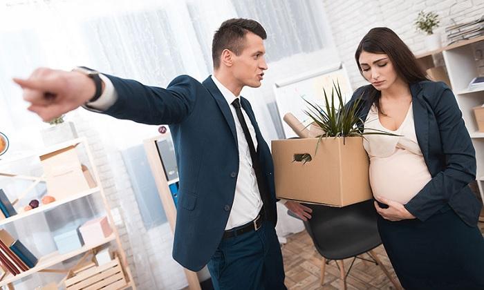 Работодатель кричит на беременную работницу